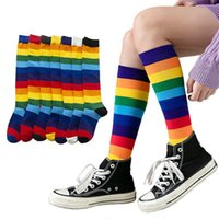 Lujo Rainbow Rayas Rodilla Calcetines Largos Mujer Cotton Moda Colorido Alta Calidad Pierna Hembra Calcetines Vintage Hiphop Skateboard Sock