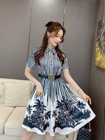 610 XL 2021 İlkbahar Yaz Kısa Kollu Orta Buzağı Çizgili Yaka Boyun Flora Baskı Yüksek Kalite Elbise Moda Elbise Uzun Etek Bayan Giysileri Falaolan
