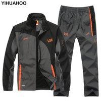 Yihuahoo Brand Tracksuit Hommes Two Piece Vêtements Ensembles Casual Veste + Pantalons 2PCs Support de piste Sportswear SweatSuits Homme LB1601 Q0125