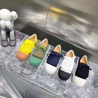 뜨거운 스타일 수 놓은 큰 조개 껍질 캔버스 신발 비스킷 신발 혀 자수 로고 디자인 슈퍼 귀여운 세련된 본질을 놓아서는 안됩니다