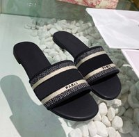 Classics Sandalias Sandalias Moda Slippers Slides Floral Brocade Gear Bottoms Flip Floops Zapatos de mujer Playa de rayas Causal Slipper Home011 27