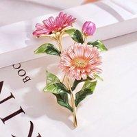 4 색 에나멜 국화 데이지 꽃 모양의 브로치 핀 여성을위한 여자 DIY 연회 파티 핀 패션 쥬얼리 선물 장식