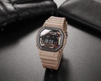 뜨거운 판매 캐주얼 스포츠 쿼츠 남자 5600 시계 디지털 방수 시계 세계 시간 차가운 빛