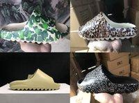 2021 Новый AirRve Kanyeslide Обувь Мода Тапочка Пустыня Песчаная смола Земля Коричневая Летняя платформа Sandale Тройная Черная Кость Белые Мужские Тапочки