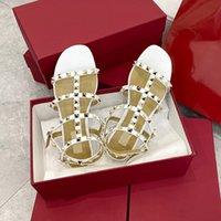 Hohe Qulaity Deisgners Schuhe Frauen Rockstuds Flache Sandale mit Riemen Schwarz Weiß Echtes Leder Sandalen Kleid Rutschen Slipper mit Box