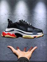 Triple-S Erkek Kadın Ayakkabı Platformu Sneakers Krem Sarı Kırmızı Bej Gri Üçlü Siyah Donanma Beyaz Mor Çok Renkli Erkek Koşu Eğitmenler