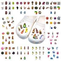 MOQ = 2Lots personnalisés Une variété de charmes de chaussures en gros Jibitz pour Croc Soft Caoutchouc PVC Charm Accessoires cadeau cadeau promotionnel ornements en plastique