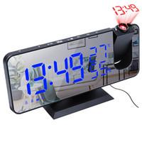الصمام المنبه الرقمي ساعة ووتش الجدول الساعات السطحية الإلكترونية USB استيقاظ راديو fm الوقت جهاز الإسقاط غفوة وظيفة 2 المنبه