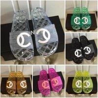 Designer Femmes Pantoufles Buty Damskie Cuir Sandales en caoutchouc Sexy Luxe Slides Summer Mujer Soft Mode Chaussures avec boîte Taille 35-42