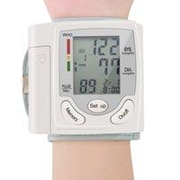 Moniteur de pression artérielle du poignet automatique Moniteur Tonomètre Mètre numérique Screen à écran LCD portable Sphygmomanomètre dans le monde entier