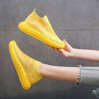 المرأة الأحذية المسطحة تنفس شبكة الصيف أحذية رياضية لفتاة عارضة الانزلاق على المتسكعون امرأة الصيف الأحذية أسود / أبيض رياضة Z2MX #