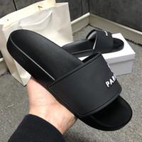2021 Paris Sliders Mens Sandales d'été Femmes Pantoufles Beach Pantoufles Dames Flip Flop Mocassins Bleu Blanc Rouge Vert Diapositives Chaussures Chaussures avec boîte