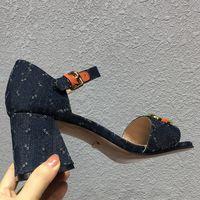 Yaz Lüks Yüksek Kalite Topuklu Sandalet Kadın Tasarımcı Kaydırıcılar Moda Denim Mavi Tıknaz Topuk Ayakkabı Hakiki Deri Topuklu Ayakkabı Bayan Sandal