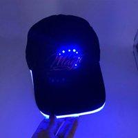 Fashion LED Allumez le chapeau de baseball brillant dans les casquettes noires
