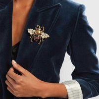 Retro Goldfarbe Strass Biene Brosche Pin Pearl Fliegen Insekt Broschen für Frauen und Männer HonigBee Corsage Unisex Kleidung Broach H1018