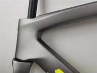 عالية الجودة الكربون إطار الطريق دراجة لامعة لامع رمادي طلاء BB30 أسفل قوس 700c الكربون الطريق دراجة إطارات