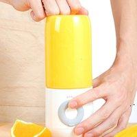 Tragbare drahtlose Mini Juicer kleiner USB wiederaufladbare faules Gemüse Frucht entsaftet Becher Kleines Haus Appliancae Saft-Extraktor Owe4851