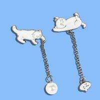2020 Nova postura criativa dos desenhos animados excêntricos fofo foguete Cat Chain Cadeia Broche Pearl Fortune Cat Badge