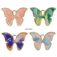 Venda quente 10 pçs / set acrílico gradiente colorido borboleta encantos pingente diy artesanal acessórios de jóias colar brincos pingente para w