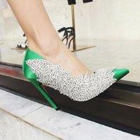 Zapatos de vestir DIPSLOOT MUJER PINTO NEGRO NEGRO ROJO Verde Seda Bombas de diamante con lentejuelas de cristal Bling Resbalón poco profundo en boda puntiaguda
