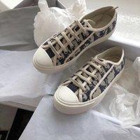 Dior shoes 2021 أحدث تصميم السيدات تصميم مريح الدانتيل متابعة الاحذية، المنصة الفاخرة قماش نعل جلد الغنم الكامل الحبوب