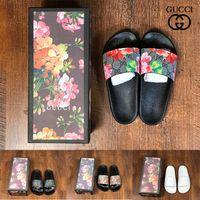Chinelo feminino Designers de moda Slides lisos chinelos chinelos luxuosos com de borracha para homens sandálias bordadas florais de brocado listradas Mocassins com caixa