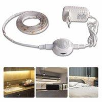 SMD2835 LED impermeable Sensor de movimiento Sensor de movimiento Tira LED 220V a 12V Encendido / apagado automático Cinta de neón flexible 1M 5M Ledstrip Power Fuente de alimentación