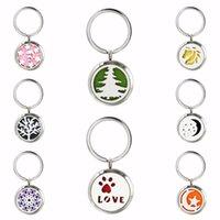 Keychains Christmas Tree Love Moon Stars 30mm Stainless Steel Diffuser Locket Keychain Keyrings Women Jewelry 10pcs Pads