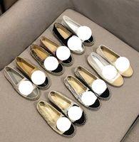 100% cuir designers de cuir robe de luxe chaussures mocassins décontractés décontractés décontractés Semelles classiques confortables formateurs super pêcheurs mode de mode de la bouche avec taille plate 35-42