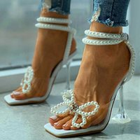 2021 Sommar kvinnor Casual Shoes Fashion Beach Wear White Sandals Beaded Bowknot Decor Square Toe Pyramid Party High Heels Y0714
