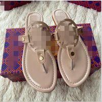 2021 النساء النعال كليب تو المرأة الصنادل عارضة الإناث الشقق الشرائح شاطئ الأحذية الجديدة مع مربع زحافات السيدات أزياء الأحذية ميلر