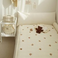 أوراق مجموعات ins من مولود غرفة الأطفال سرير الطفل فراش الدب التطريز مبطن ورقة الكتان ورقة