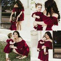 Nashakaite verano madre e hija vestido volantes sexy fuera del hombro vestidos de vino tinto para madre hija mamá y ropa 210727