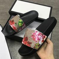 Tasarımcı Sandalet Erkekler Kadınlar Çizgili Slaytlar Baskı Çiçekler Çevirme Dişli Altları Nedensel Kaymaz Yaz Huaraches Terlik Boyutu 5-11