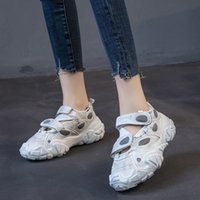 Sandals Flats Summer Shoes for Womens Platform Designer Woman Heels Fashion Sandal Chunky Sneaker ST1T