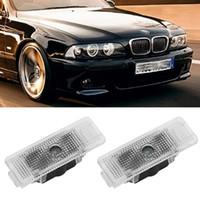 4 ADET Araba Kapı Logosu Lazer Hoşgeldiniz Işık BMW E39 X5 için LED Projektör Lambası E53 E52 528i Oto Amblem Hayalet Gölge Luces Accessorie
