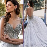 Luxury Beaded Crystals Wedding Dress Backless Lace Bridal Gowns Sweep Train Applique Long Garden Robe De Marriage