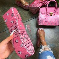 Kadın Ayakkabı ve Çanta Takımları Moda Platformu Sandles ve Çanta Çanta Şeffaf Jöle Terlik Çanta Maç Yaz Ile