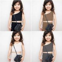 Ins маленькие девочки устанавливают летние европейские и американские моды одно плечо жилет с шортами 2 шт. Костюмы детские наряды на 1-4т