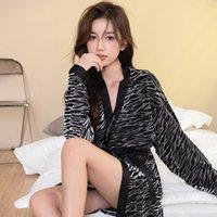 LeoPard Print Nightgown Женская зимняя мода Сексуальный золотой утолщенный теплый халат корейский VEET Pajamas