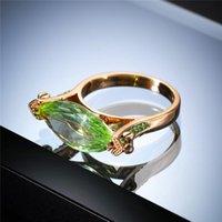 Anello in pietra di cristallo verde femminile di lusso promessa anello giallo oro colore sottile anello di fidanzamento vintage zircone anelli di nozze per le donne