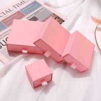 Boîte cadeau de carton de tiroir personnalisé Papier rose Boîte à bijoux petit emballage bijoutier pour boucles d'oreilles collier bracelet affichage 210713
