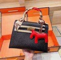 Diseñadores clásicos de las mujeres diseñadores de compras Bolsa de compras Moda a juego Seda Bufanda Colgante Juego de tres piezas de alta calidad Single Weight Bagwith Logo