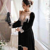 2010 Velvet 2 Pieces Warm Winter Pajamas Sets Women Sexy Lace Robe Pajamas Sleepwear Kit Sleeveless Nightwear 210515