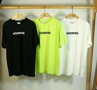 Vetements T Gömlek Büyük Yama Etiketi Rahat Nakış Erkekler Wome Gevşek Yeşil Siyah Beyaz Vetement Kısa Kollu T-Shirt
