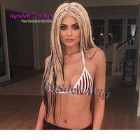 جديد المشاهير Kylie Jenner كريستينا أغيليرا شعر مستعار الاصطناعية الأبيض تسليط الضوء الأسود الضفائر الشعر تأثيري الباروكات ل xtina تأثيري الباروكة