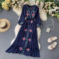 カジュアルドレス女性のドレス旅行ポイントholiday 2021レトロな民族スタイル刺繍VネックランタンスリーブML1034