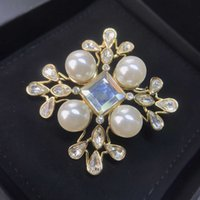 Brand Fashion Jewelry Vintage Camellia Flower Style Snowflake Snowflake Brooch Maglione Brooche Flower Pearl Fashon Camellia Spille