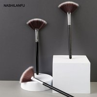 Makeup Brushes Professional Fan Brush Blending Highlighter Contour Face Loose Powder Blush Cosmetic Beauty Tools Kit
