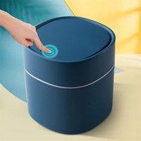 Mini basura de basura para el hogar Cesta de basura Tablero de mesa de almacenamiento de basura para la cocina Sala de estar Pequeños residuos Dustbins 211026